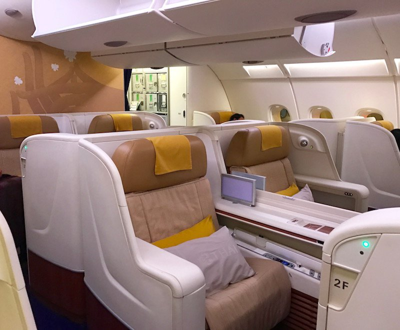 The Difference Between Economy Business And First Class Seats Atlas Ticket